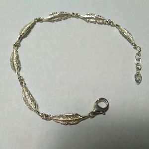 Sterling Silver Minimalist Feather Braclelet